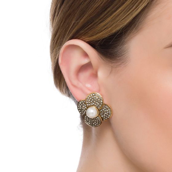 BRINCO-PEARL-FLOWER-OURO-VINTAGE-MODELO